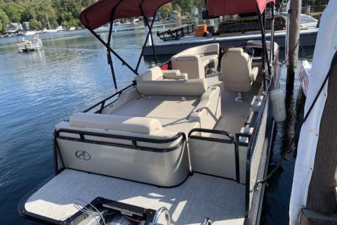 2020 Avalon LSZ Versatile Rear Lounger Carina